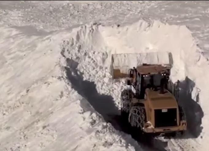 Clearing Av Debris
