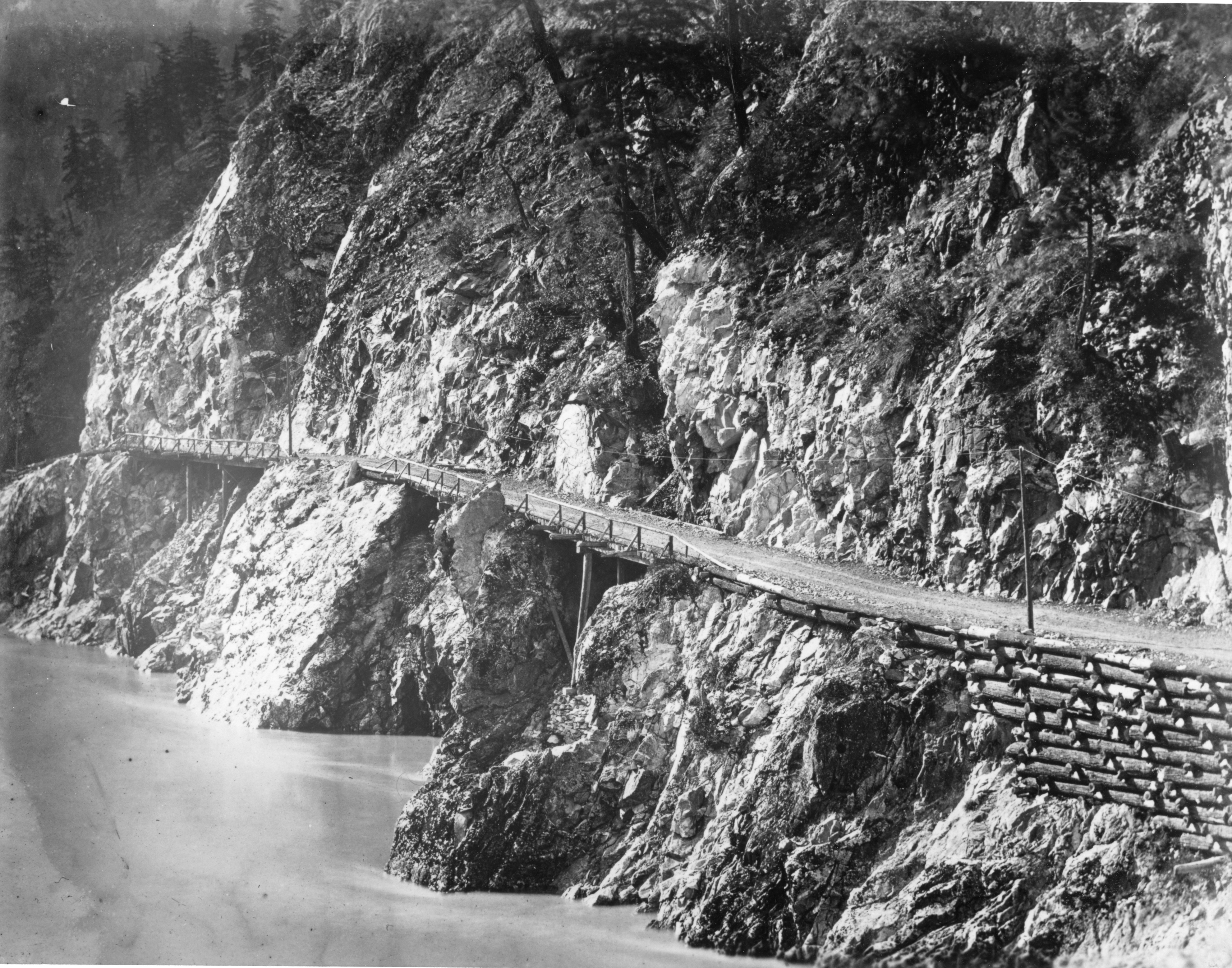 Fraser Canyon highway cribbing